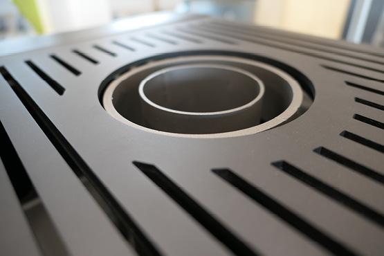 le poêle à granulés de bois HOBEN est compatible avec les conduits concentriques (également appelés ventouses). Sa technologie PVI (poêle ventouse intelligent) renforce la sécurité utilisateur.