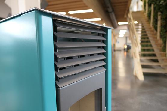 es poêles HOBEN sont dotés d'une excellente ventilation, qui s'adapte en fonction du besoin de chauffe: capables de chauffer de grands espaces ouverts avec un haut débit de ventilation, ils ont aussi la capacité de fonctionner sans ventilation